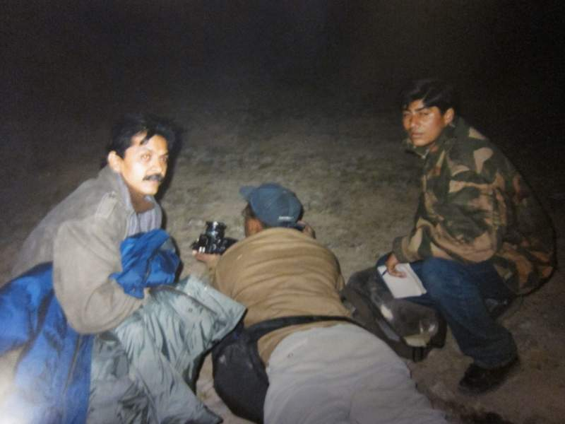 Under bombardment in the battle for Mount Tololing in Drass with AP photographer Saurabh Das, on belly and Gaurav Sawant, then of The Indian Express (right).