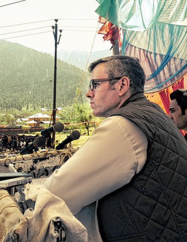 Chief minister Omar Abdullah addresses a meeting at Margund in the last leg of campaigning  for Srinagar on Monday
